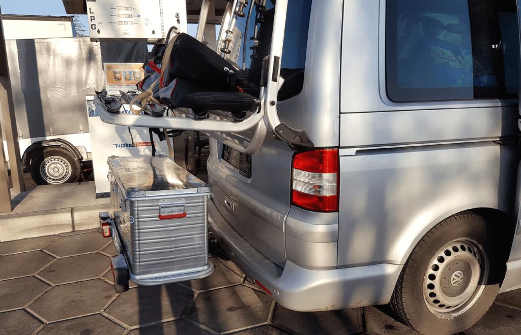 """Kupplungsträger mit Transportbox und original """"Paulchen"""" Fahrradträger in Kombination"""