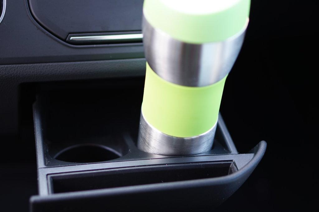 Autobecherhalterung VW T6